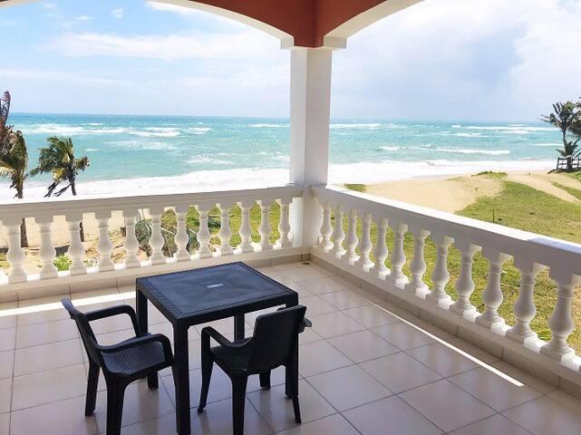 Encuentro Beach. Cabarete. Oceanfront  apartment