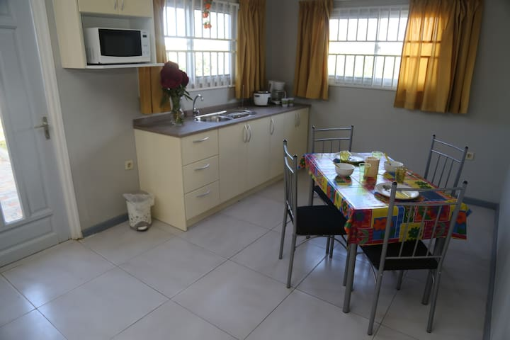 Vacation home own kitchen, bathroom in Parbo North