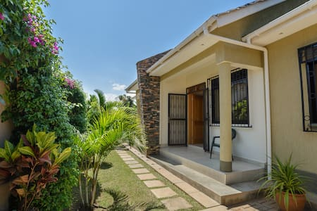 Charming 2BD semi-detached houses - Kampala