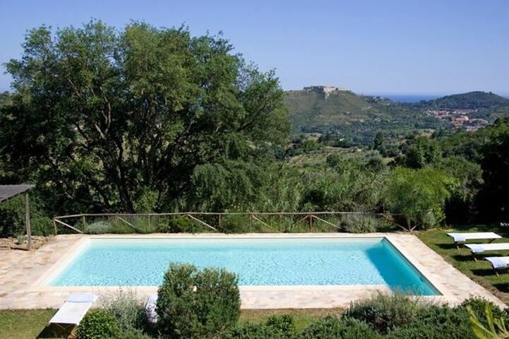 Luxury garden pool villa for 18, Porto Ercole - Monte Argentario - House