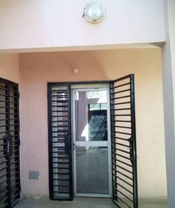 Maison à louer Sebenikoro