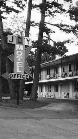 Lodge Rooms at Wanderoo Lodge