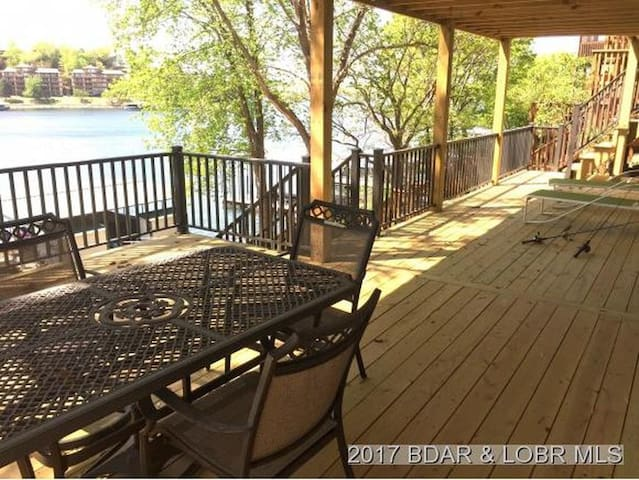 Lake Front Home, Great Location, Private Dock
