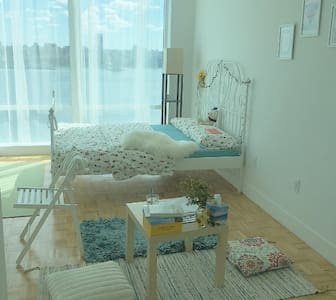 Luxury apartment w/ spectacular view of Manhattan! - Jersey City