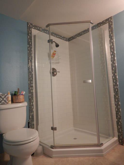 3/4, private bathroom