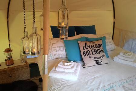 Romantic Private Noosa Hinterland Glamping Escape - Sunshine Coast - Σκηνή