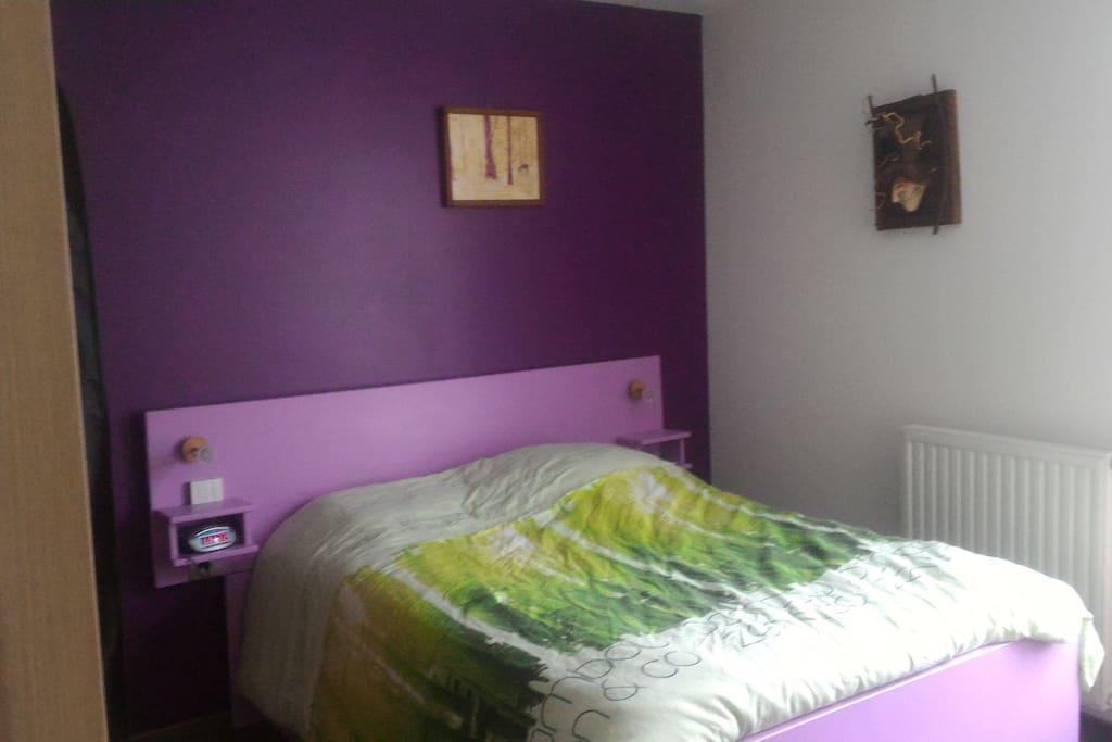 Première chambre (vrai lit)