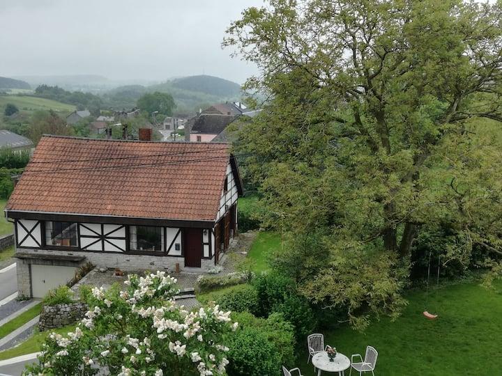 Charmant, Ardens, zonnig vakantiehuis in Honnay