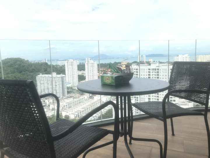 Arte S Entire Condo(2 bedrooms) Near USM and SPICE