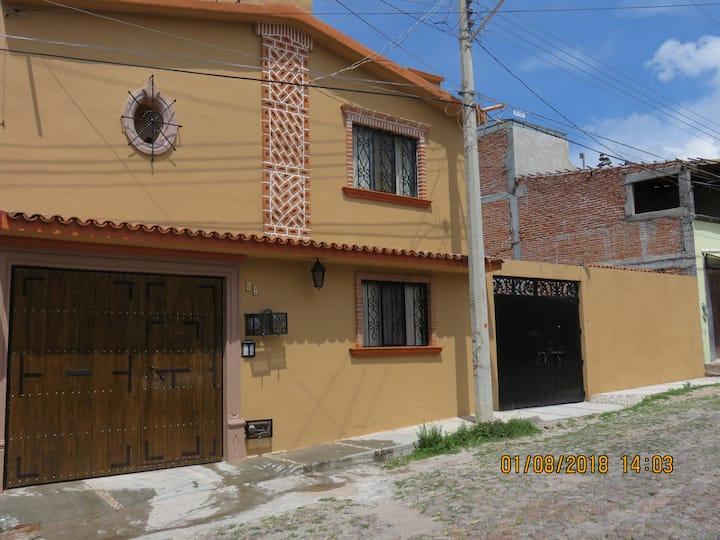 """Depto. 2 """"La Posada del Fraile"""" en SM de Allende."""