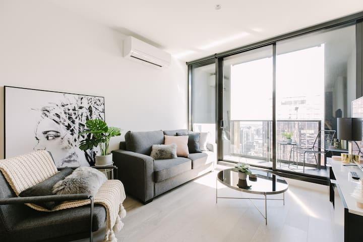 2BR Empire Suites in Melbourne CBD