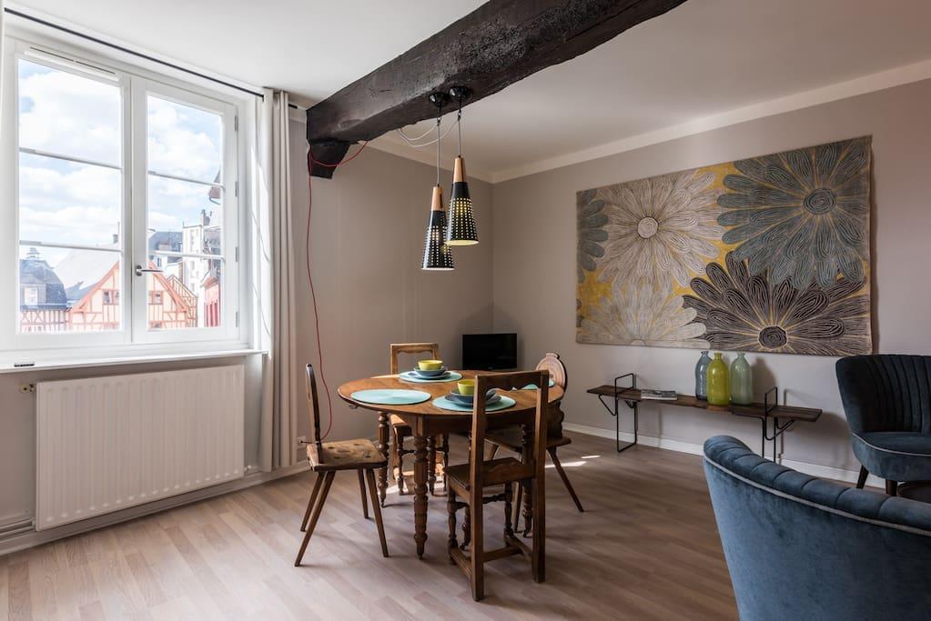 exceptionnel emplacement au c ur de rouen apartments for rent in rouen normandie france. Black Bedroom Furniture Sets. Home Design Ideas