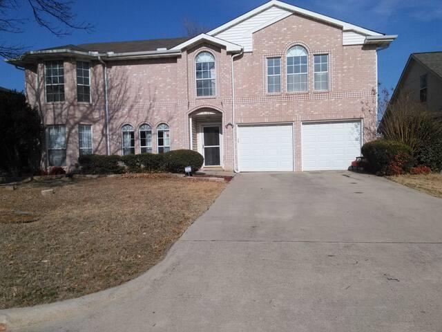 Room in home quiet area Corinth/Denton TX $675/mon