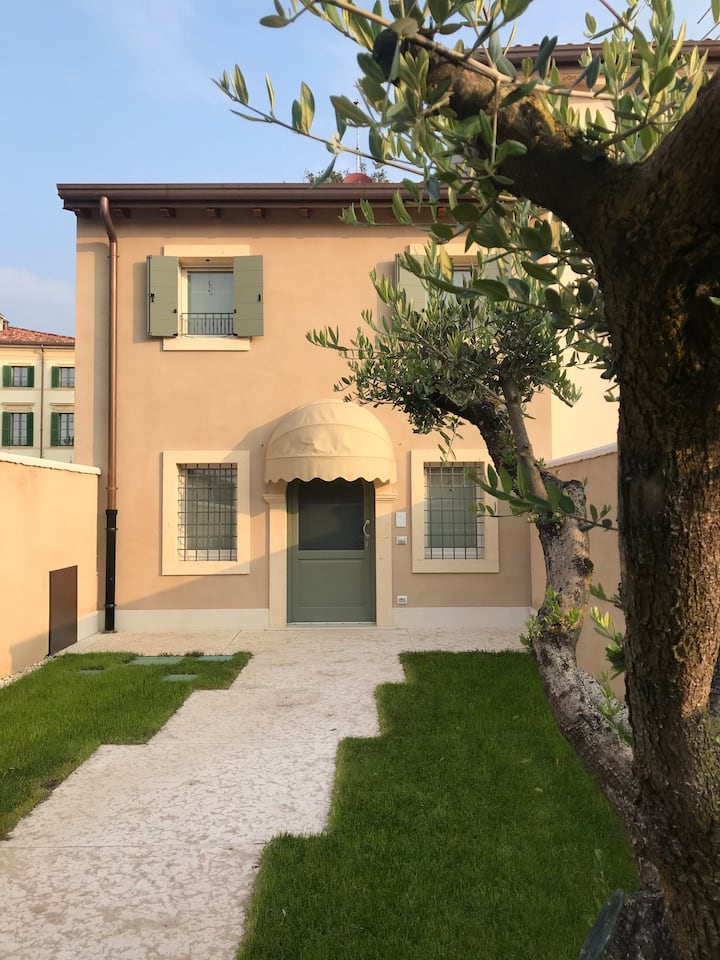 Luxury Apartments San Zeno
