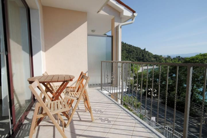 Standard Apartment with Balcony and Sea View, 3