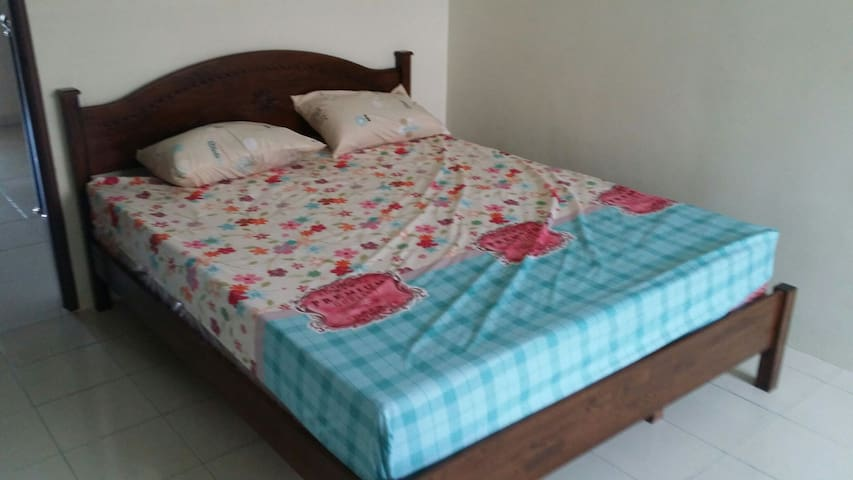 88 manjung point homestay Room