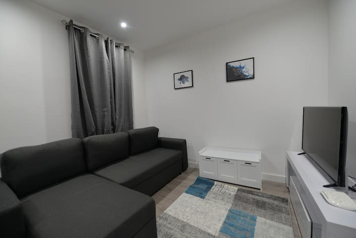 Rugby Train Station And Town Centre - 1 Bed Apartment