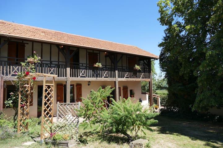 Gite Rural avec Piscine dans le Gers - Aujan-Mournède - บ้านพักตากอากาศ