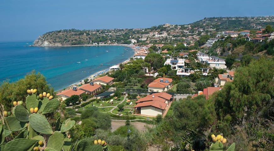 Terraced houses just on the sea - Ricadi - Appartement