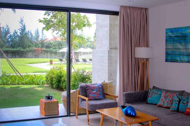 Gardenia Ocean Apartment in 5-star Resort