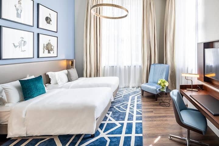 Luxury City Center Suite