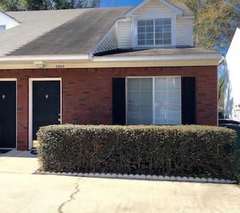 1 bedroom, 1 bath - Tallahassee
