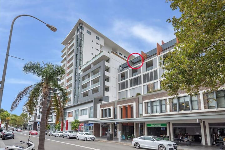 Impeccable 2 BR Executive Apmnt - Wollongong CBD