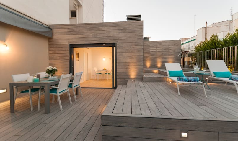 Roof terrace and pool