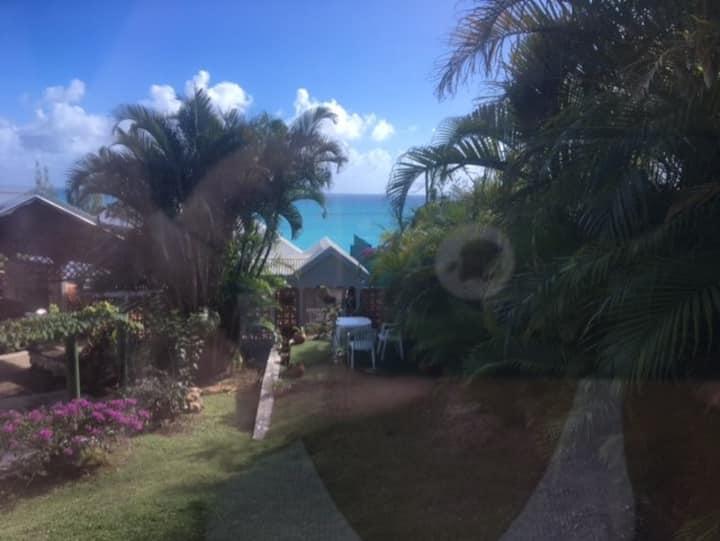 Bungalow neuf  Vue mer à 10 mn à pieds de la plage