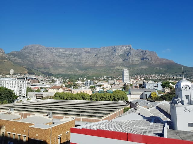 Modern Mountain View Apartment in Cape Towns Heart