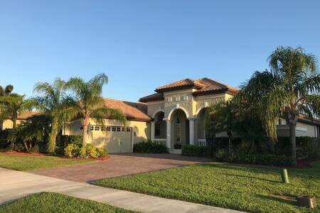 Gated Custom Home in Viera! - Rockledge - House
