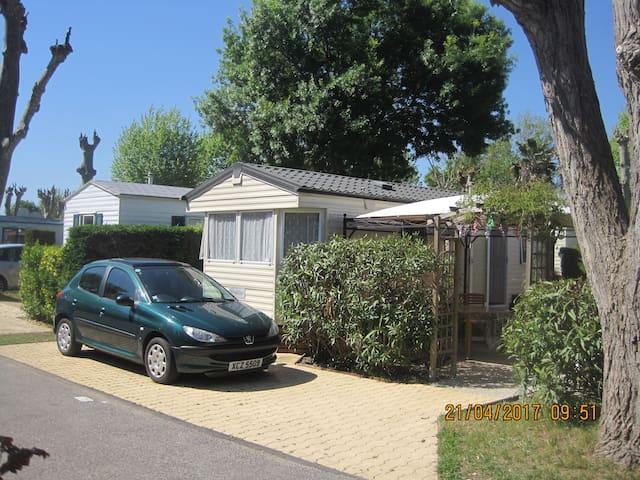 Mobile Home Near Antibes, Cote D'Azur - Biot - Tatil evi