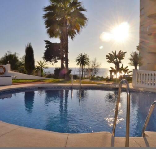 Precioso apartamento junto a Marbella .