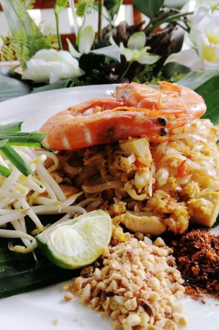 Happy Pad Thai