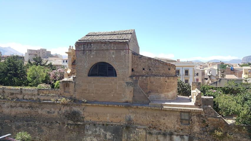 Doppia con vista sulla Chiesa di Santa Venera