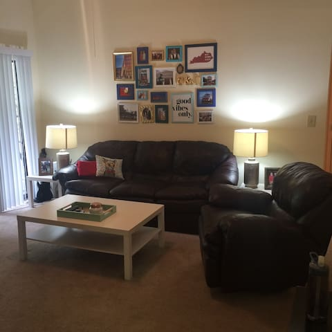 Cozy place to stay on Mellwood - Louisville - Apartment