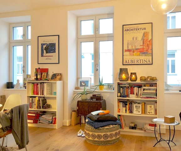 Living room with three big windows