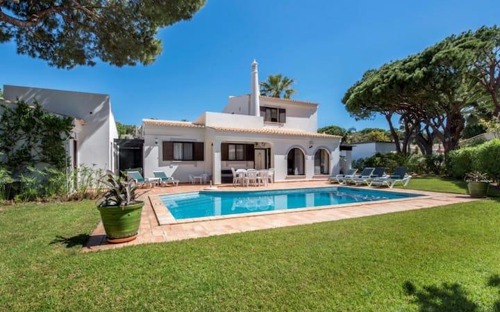 3 bedroom Villa - Dunas Douradas - Great Location!