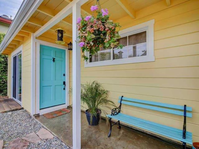 Seacliff Beach Cottage