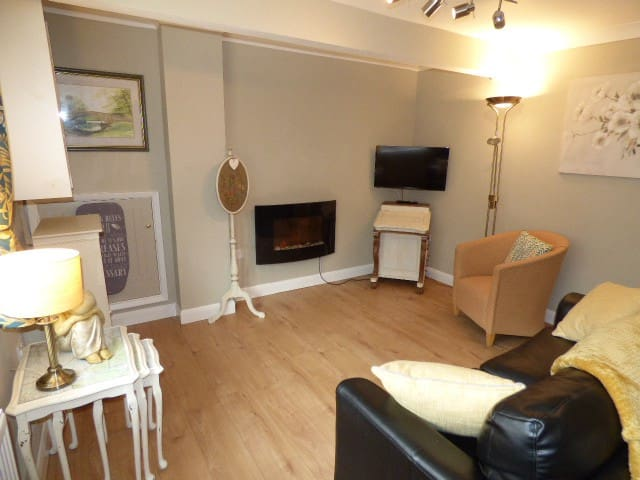 Luxury Ground Floor Apartment, Central Location