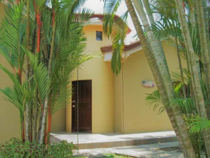 Beach villa Macaw