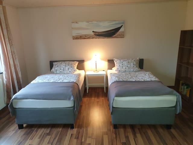 2 x Einzelbett 1 x 2 m