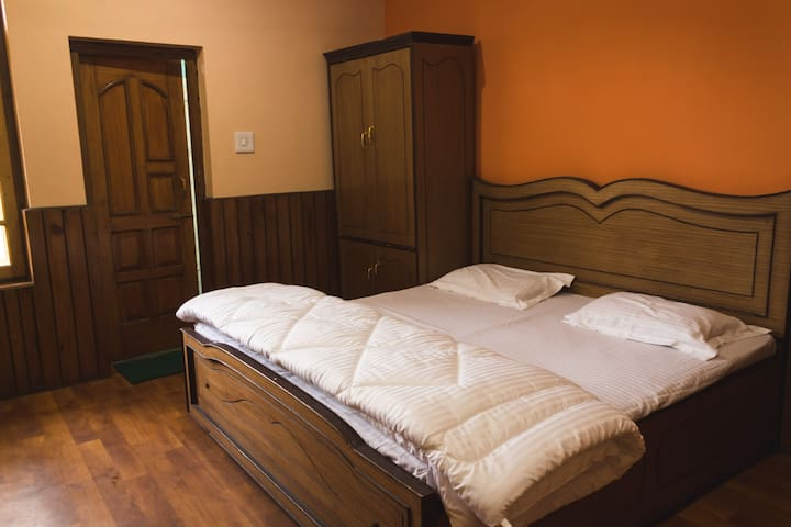 Star Deluxe Bed & Breakfast Naddi