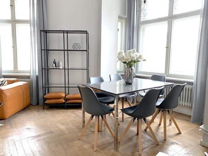 130sqm Lux 3 Bedroom next to Rosenthaler Platz