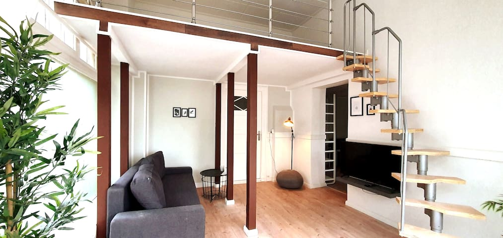 Spacious&Stylish Loft Bed Apartment +S-Bahn access