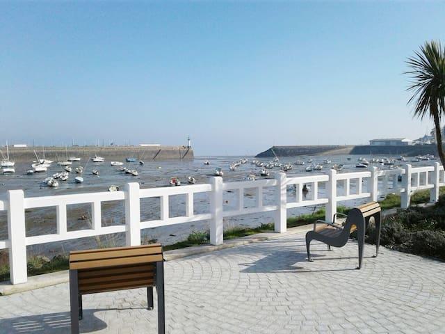 Le centre ville et la plage à pied