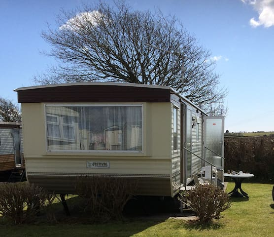 Family Caravan Looe Cornwall - Superb Location
