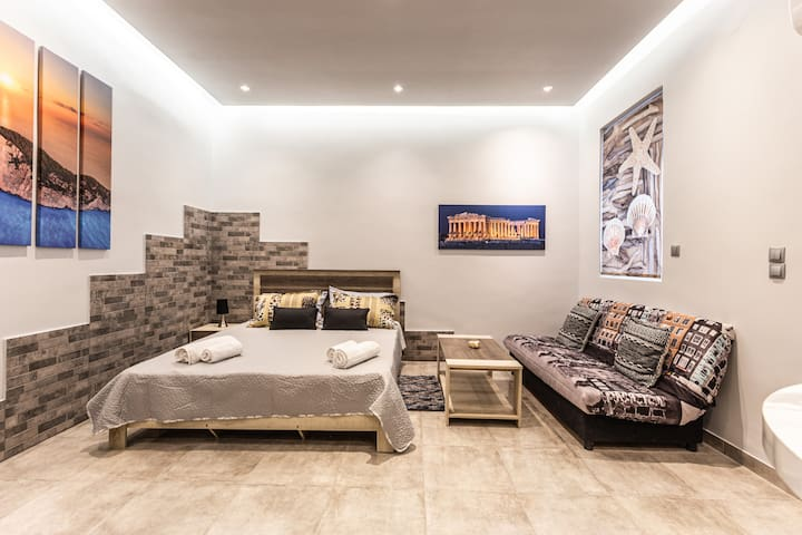 Athens Luxury Studio 5 min walk to Metro!