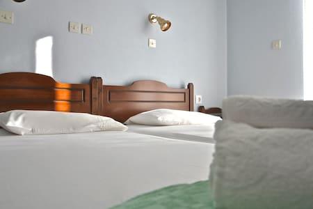Nice & cozy modern room #3 -GLAROS - Dom