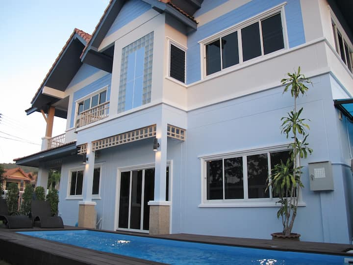Tin's House w/Private Pool (fully-air conditioned)